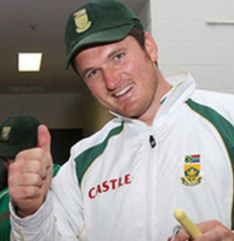 Graeme-Smith Back to squad